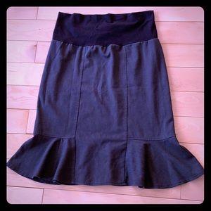 Siren style maternity skirt!